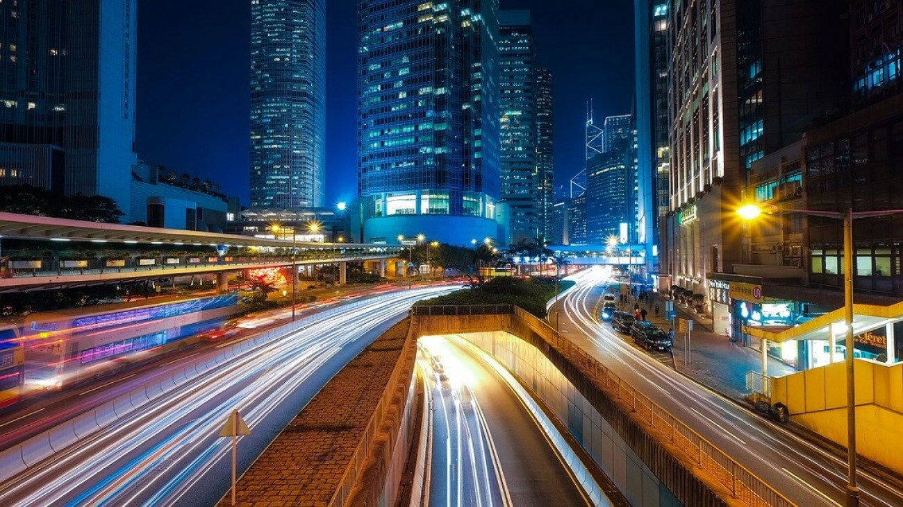 smart-roads-hong-kong-streetlights